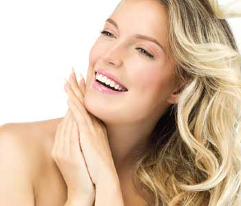 Skilled cosmetic dentist in Phoenix AZ creates beautiful and healthy smiles with gentle, advanced techniques